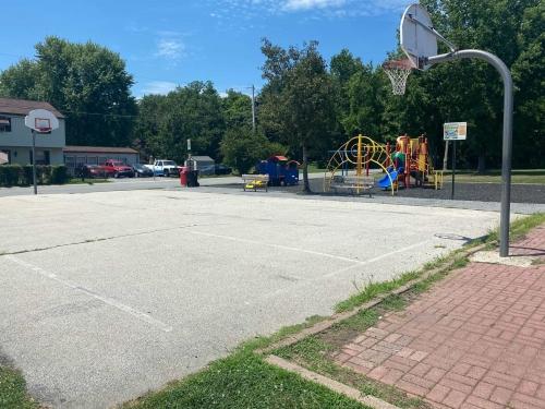 Twin Oaks Park 6